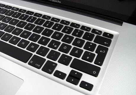 Apple Macbook Pro 17 MD311ZP/A key