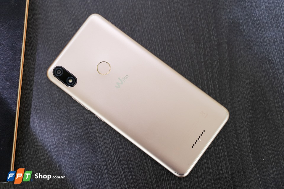 Mở hộp Wiko View Max 01