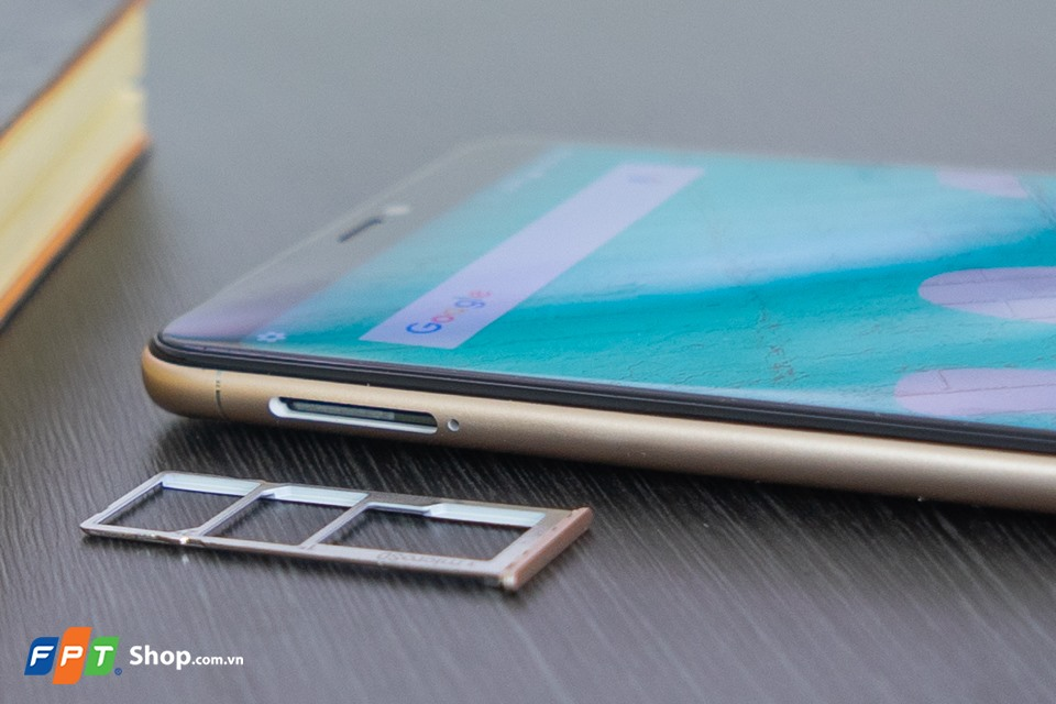 Mở hộp Wiko View Max 04